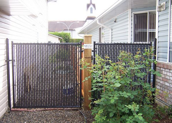 3 Reasons to Add Privacy Slats to Your Chain-Link Fence