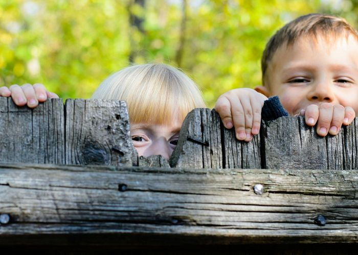 How To Create A Child-Friendly Fence That's Fun