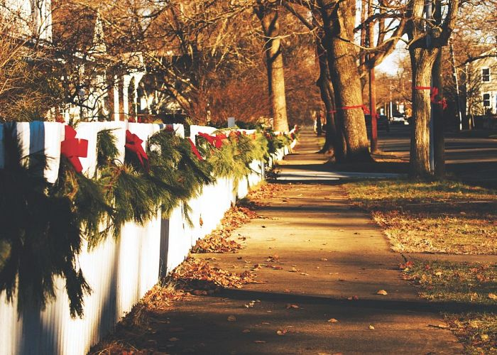 Ways to Christmas-ify Your Fence!